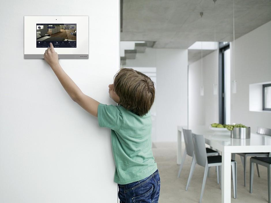 smart home welches system ist das richtige unterputz. Black Bedroom Furniture Sets. Home Design Ideas